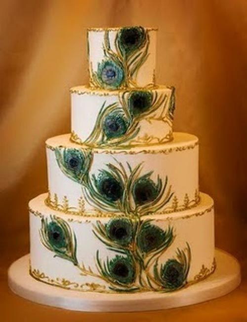 peacock cake topper | Extraordinary Look of Wedding Cake with Peacock Feathers Decoration ...