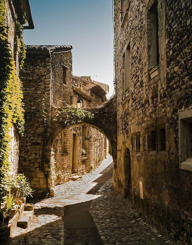 Provence toujours - Vaison la Romaine France