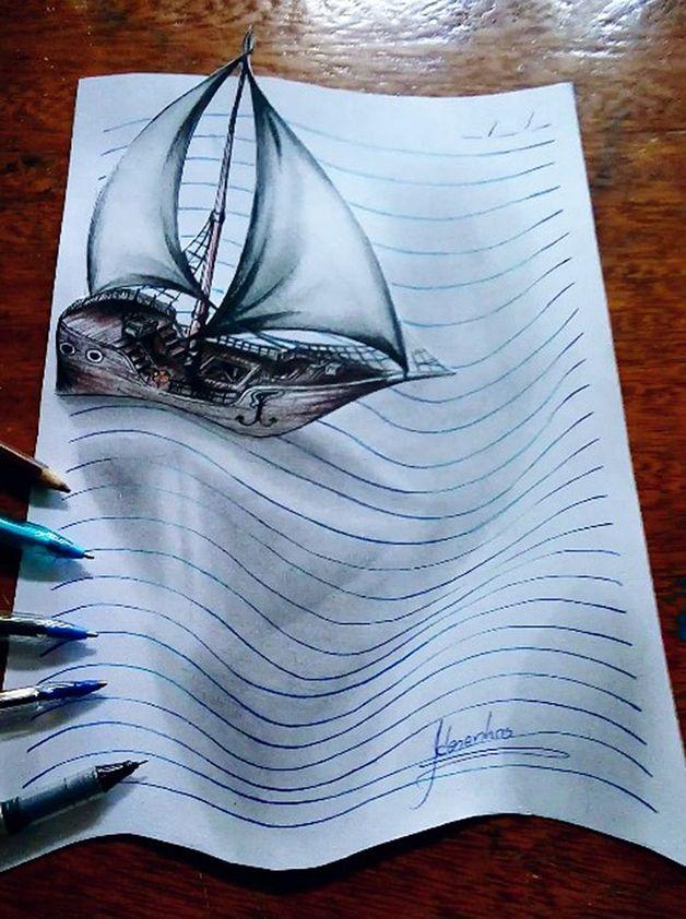 João Carvalho é um artista brasileiro, capaz de criar desenhos que divertem e surpreendem pelos efeitos e distorções visuais, e pela sensação de tridimensionalidade que nos passam. O suporte onde a mágica de seus desenhos acontece é sempre a folha de caderno. Um detalhe: João tem somente 16 anos.    Sempre utilizando efeitos de tridime...