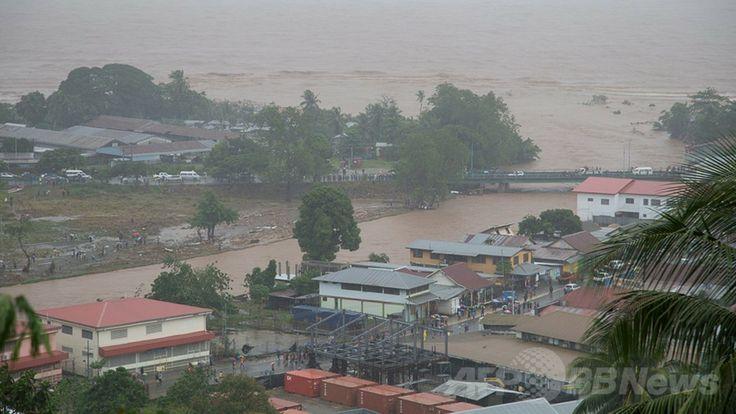 国際援助団体「ワールド・ビジョン(World Vision)」が撮影・公開した、洪水の被害に遭ったソロモン諸島の首都ホニアラ(Honiara、2014年4月4日撮影)。(c)AFP/WORLD VISION ▼5Apr2014AFP|ソロモン諸島で洪水、死者9人に http://www.afpbb.com/articles/-/3011821 #Solomon_Islands #Honiara #Flood #Inundacion #Inondation #Hochwasser #Sel #Banjir #Inondazione #Overstroming #Powodz #Inundacao #Baha #Mafuriko #Lut