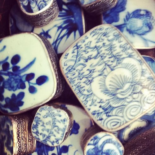 old Chinese porcelain fragment boxes...love collecting these...