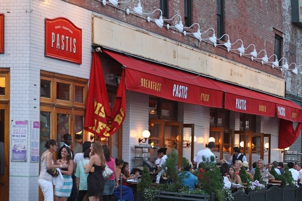 Pastis Restaurant is a French Bistro in the Meatpacking District/West Village area of #Manhattan #NYC. Just a 4 minute walk from the spacious rental residences at 100 Jane Street.
