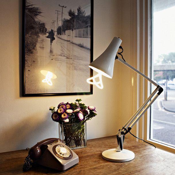 The PLUMEN 001 Is The Worldu0027s First Designer Low Energy Light Bulb.