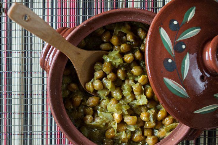Ρεβιθάδα φούρνου! όσπρια φοβερά, αξίζουν μια θέση στο τραπέζι σας! Μην τα παραβλέπετε! Φτηνό, νόστιμο και υγιεινό φαγητό!   Εχουμε μουλιάσει από το προηγούμενο βράδυ τα ρεβί...