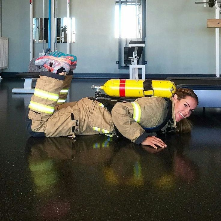NO EXCUSES   @narten86 -  Røykdykkertest -Mandatory yearly  firefighter test in Norway: dressed up in bunker gear and a tank filled with sand (total weight 23 kg/507 lbs) you must perform 4 exercises. 1: treadmill in 8 minutes (7 degrees 56km/t/ 35 mph) 2: squats with leg raise minimum 15. 3: push-ups minimum 7. 4: pullups (hor.) minimum 7. Let's sweat! . . TAG A FRIEND! http://ift.tt/2aftxS9 . Facebook- chiefmiller1 Periscope -chief_miller Tumbr- chief-miller Twitter - chief_miller…