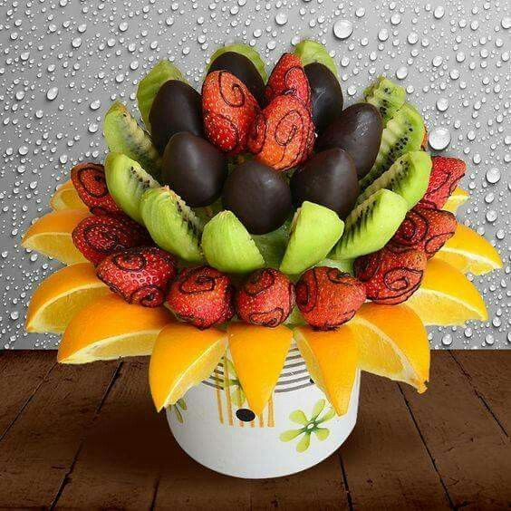 I would love to design eatable fruit and veggie bouquets like this one!