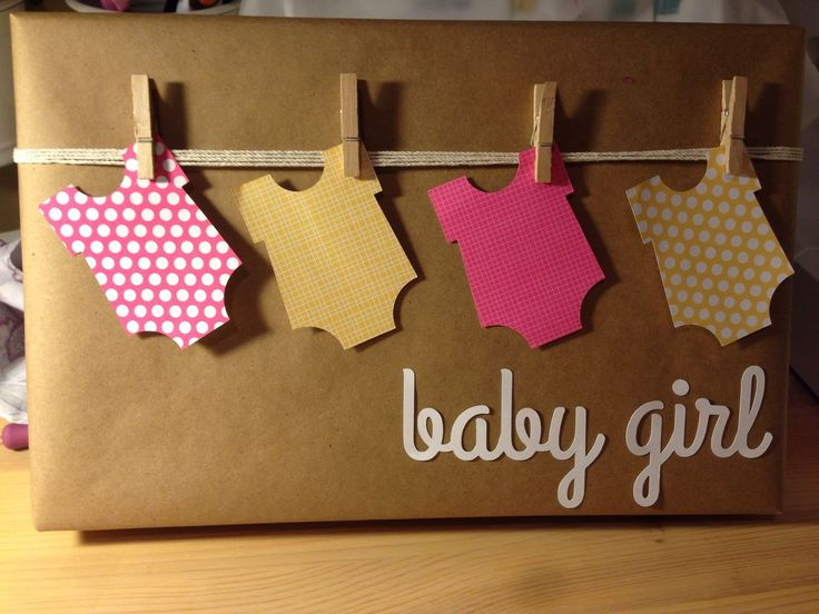 Baby shower gift wrap - If any one knows the original source for this let me know! http://regalosfabulosos.com/ideas-para-envolver-regalos-creativos-curiosos/: