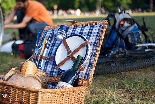 Bring a Blanket!  10 Dishes for a Picnic Lunch #PicnicWithaView @lundbergfarms