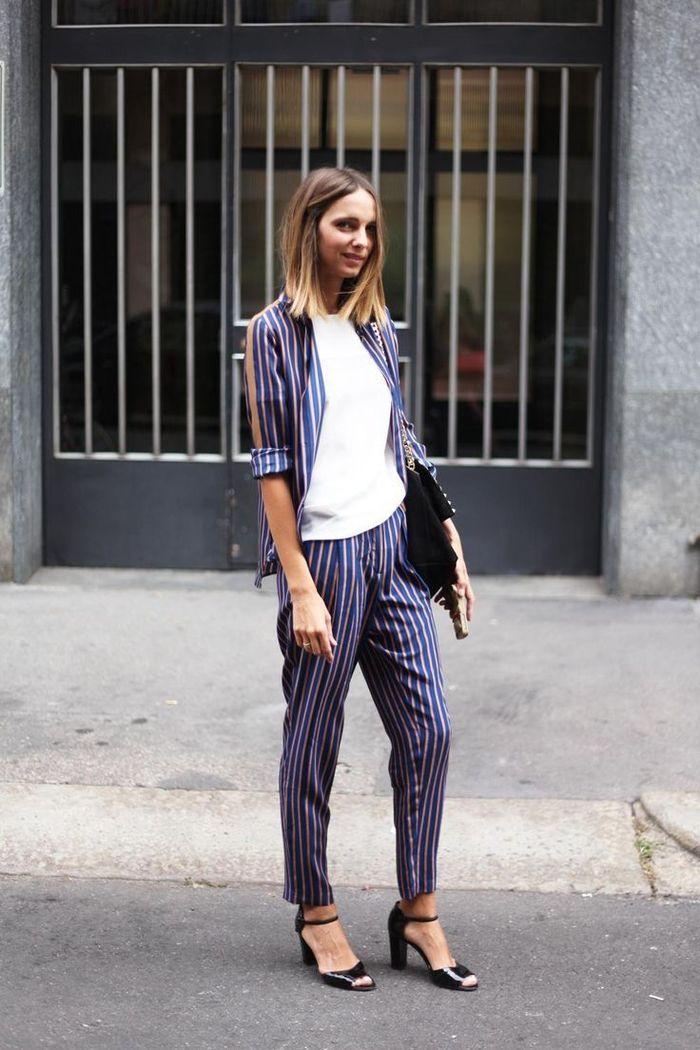 silhouette décontractée en costume femme de style pyjama à rayures combiné  avec un simple t- 54603efe25d