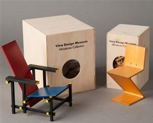 Ware: 3148664 Gerrit Rietveld, Vitra Miniatur Rot Blauer Stuhl / Red Blue