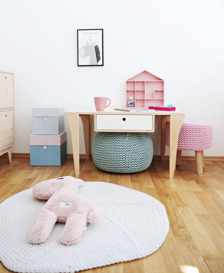 Scandinavian girl's room! Meet our play table BIFF with colored drawer / Project and execution by Wood Republic / #design #interior #scandi #scandinavian #wood #wooden #plywood #furniture #modern #natural #minimalist #white #vintage #table #bedside #play #kidsroom #kid #kids #teen #room #girl #pink