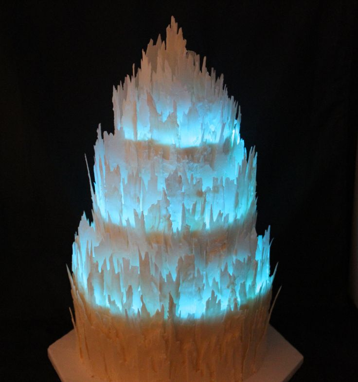White choc shards with LED light string http://americancakedecorating.com/?p=2996 Non-Traditional Wedding Cakes by Marilyn Bawol   American Cake Decorating