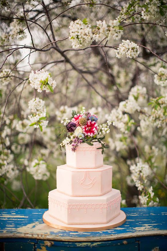 Orchard Inspiration Shoot by M Three Studio Cake by FlourGirl Patissier www.flourgirlpatissier.com: Orchard Inspiration Shoot by M Three Studio Cake by FlourGirl Patissier www.flourgirlpatissier.com