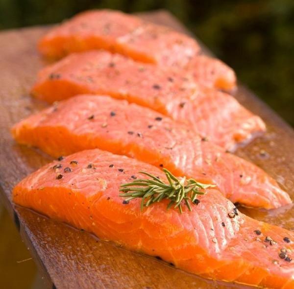 Cómo cocinar salmón fresco - 7 pasos (con imágenes)
