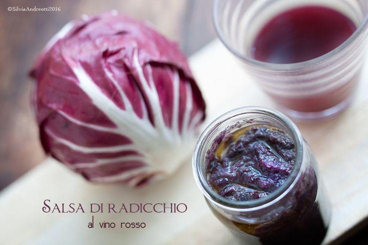 Salsa di radicchio al vino rosso, una alternativa sana e gustosa alle tradizionali salse. E' ricca di verdure, legumi e contiene solo grassi buoni