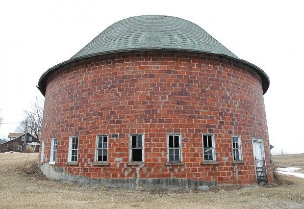 Angie Cina's round barn in Viroqua WI. Erik Daily. Barns are on private property, please ask permission. The largest concentration of round barns are found in Vernon County WI. Round barns were built to make the feeding and milking of cows more efficient, though some attribute their construction to the folk belief that evil spirits hid in corners. Built in the early 20th century, around 15 round barns are located in eastern Vernon county near Ontario, Mt. Tabor & Trippville. justintrails.com