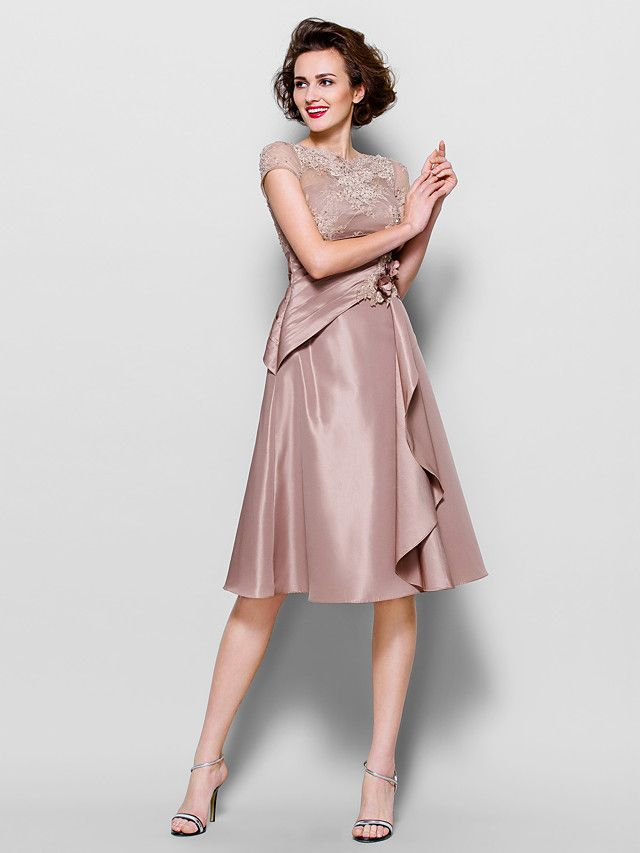 A-line Scalloped Knee-length Lace And Taffeta Mother of the Bride Dresses (1301049) - USD $109.99