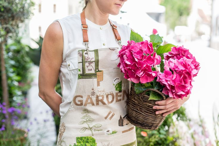 Canvas Apron with Leather Strap for Florist or Garden Lovers.