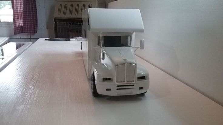 Cabover Trucks For Sale >> 1/25 Scale Kenworth Truck with Extra Large Sleeper | 1/25 ...
