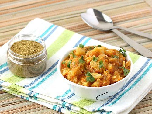 Aloo Gobi Curry Recipe - With Spicy Gravy of Tomato, Cashew & Poppy Seeds