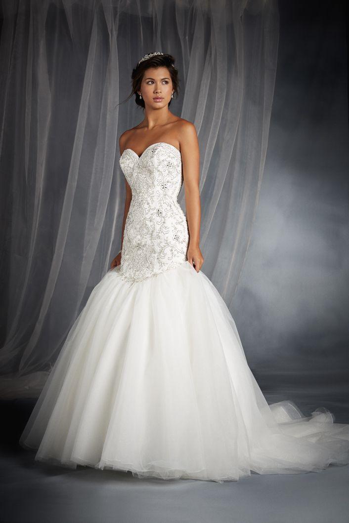 Ariel inspired wedding gown 2015 disney 39 s fairy tale for Fairy inspired wedding dresses