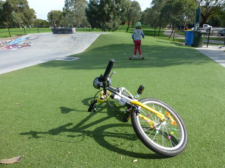 Elsternwick Park and Skatepark as reviewed by Little Melbourne. Ride, Skate, Play, Repeat.