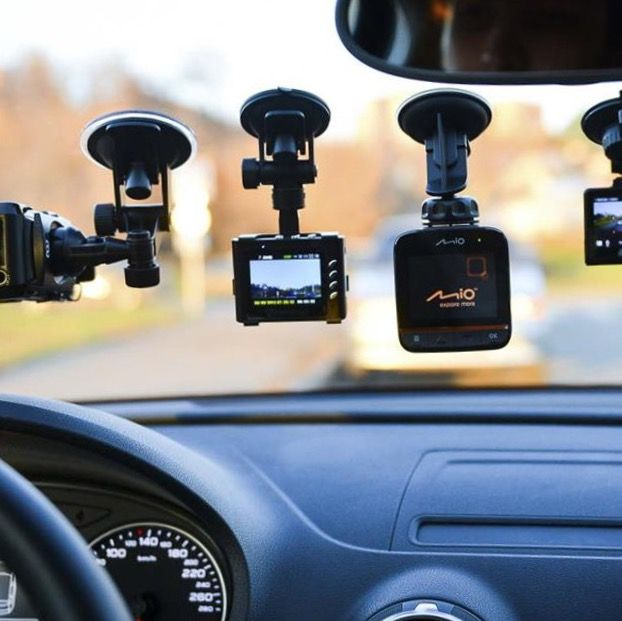 Видеорегистратор. Буду снимать песенки за рулём в пробках 😂