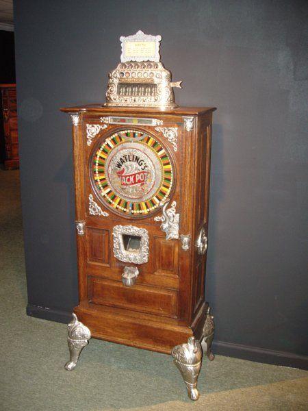 Antique slot machine the Watling jack pot slot machine