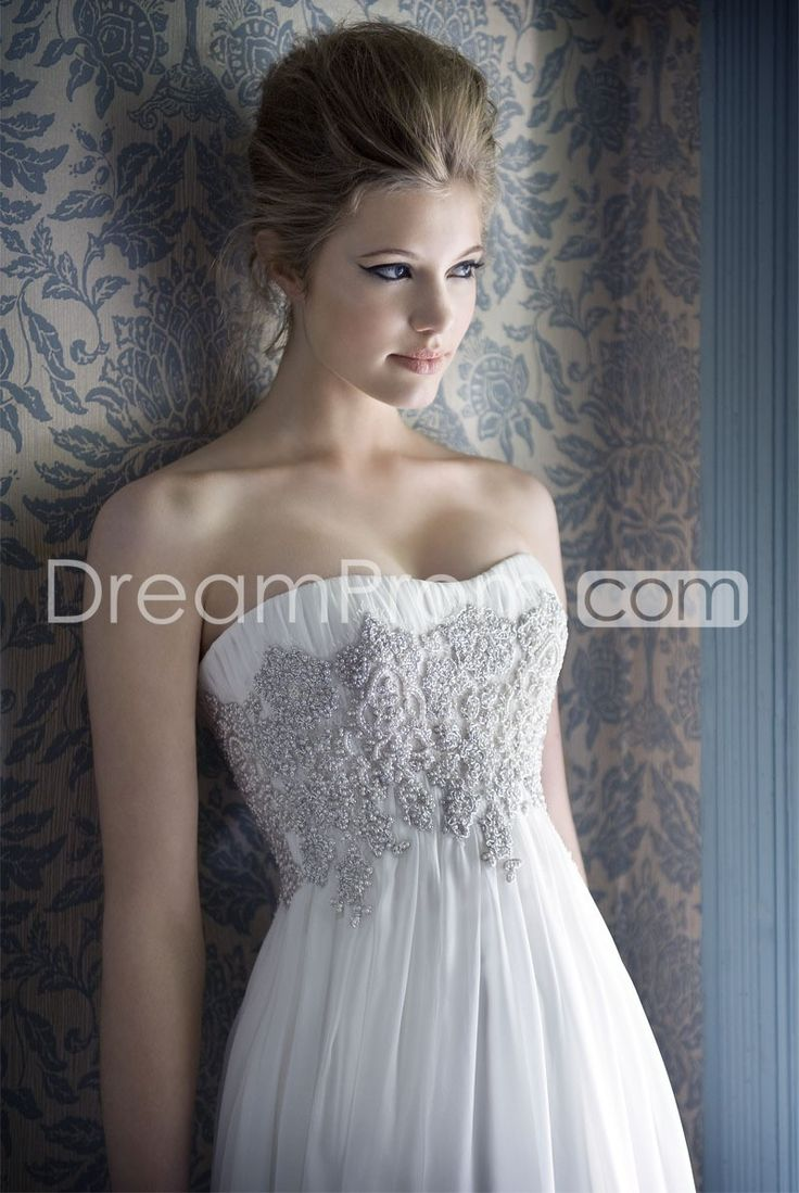 Spectacular Elegant Wedding Dress