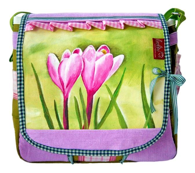 MärzHerz-Tasche von Leolini! 100% Handmade! Die Taschenklappe ist gemalt... mehr Infos http://de.dawanda.com/product/43127310-MaerzHerz---HANDGEMALTE-Tasche-von-Leolini