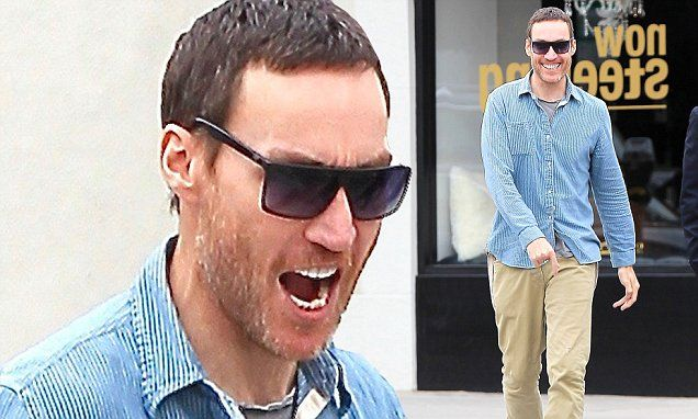 Callan Mulvey displays bizarre behaviour on LA street | Daily Mail Online