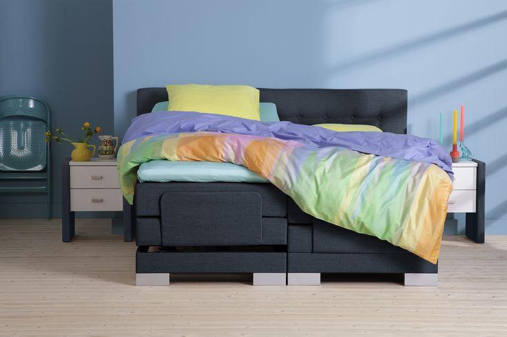 Sterk, comfortabel en trendy! In deze oase droom je iedere nacht heerlijk weg. Dat wil jij toch ook? Stel dan nu je eigen boxspring samen in onze winkel of op totaalbed.nl #totaalbed #slaaplekker #boxspring #trendy #luxe #slaapkamer #slapen #lekkerslapen #interieur #interiordesign #interior #bedroom #bed #sleep #sleeptime #bedding #hotelbed #slaapkamerinspiratie #wonen