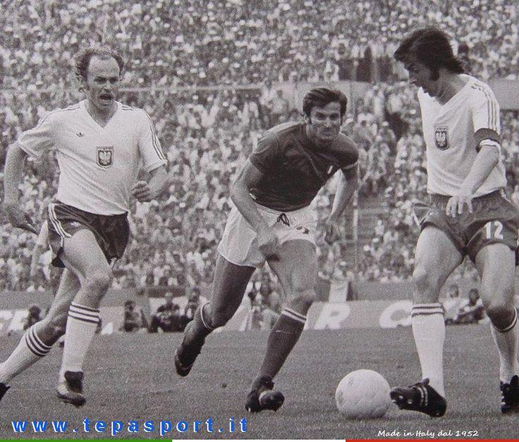 1974 Polonia - Italia  Giacinto Facchetti ... ⚽️ C'ero anch'io ... http://www.tepasport.it/  Made in Italy dal 1952