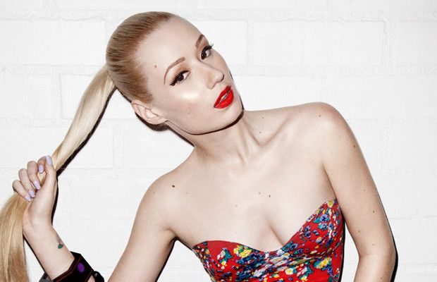 "Amethyst Amelia Kelly, better known by her stage name Iggy Azalea, is an Australian rapper, songwriter, and model. Wikipedia Born: June 7, 1990 (age 25), Sydney,   Height: 5' 10"" Full name: Amethyst Amelia Kelly"
