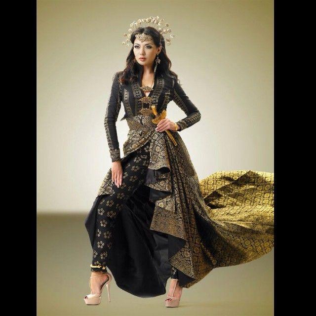 The bold & brilliant princess of perak songket dress from Syomir Izwa