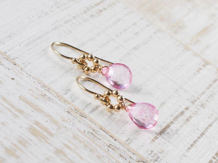 Romantische Ohrringe mir rosa Topas Steinen. Schmuck von Zimelien