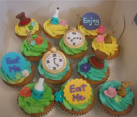 """Alice in Wonderland """"eat me"""" cupcakes"""