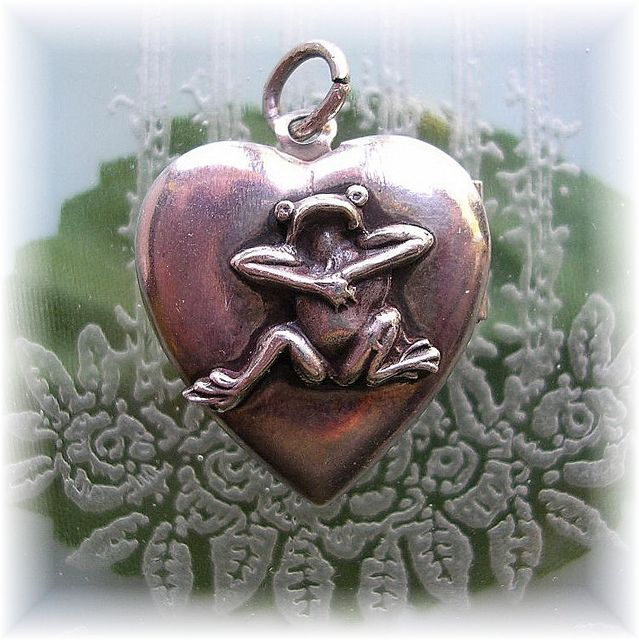 Amazing sterling frog heart charm from Beanzie's collection.....sold on Ebay long ago.   Might never find another like it!  How does this inspire you?