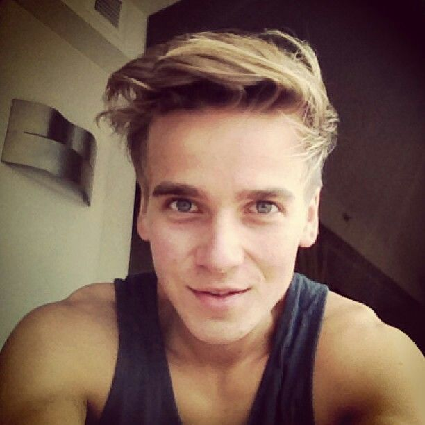 Joe Sugg - YOUTUBE