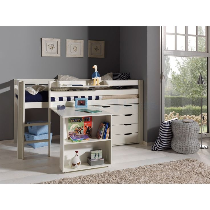 Halfhoogslaper met ingebouwde bureau en ladekasten. Gemaakt uit den #Kinderbed #Kinderkamer #Veilig