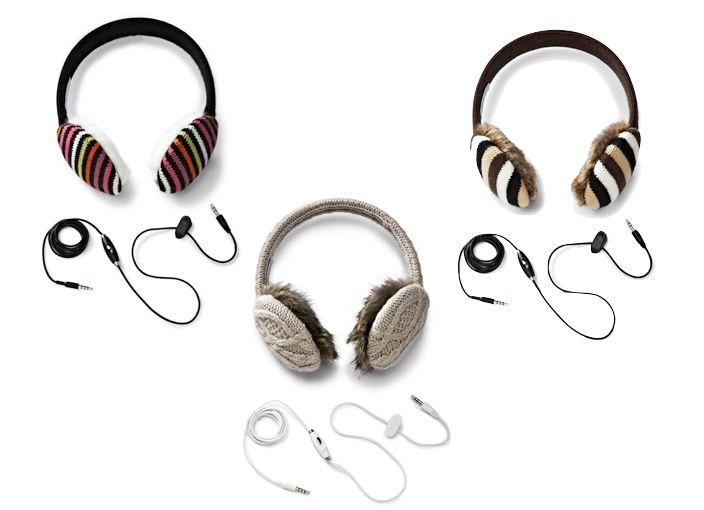 how to put earplugs in ears