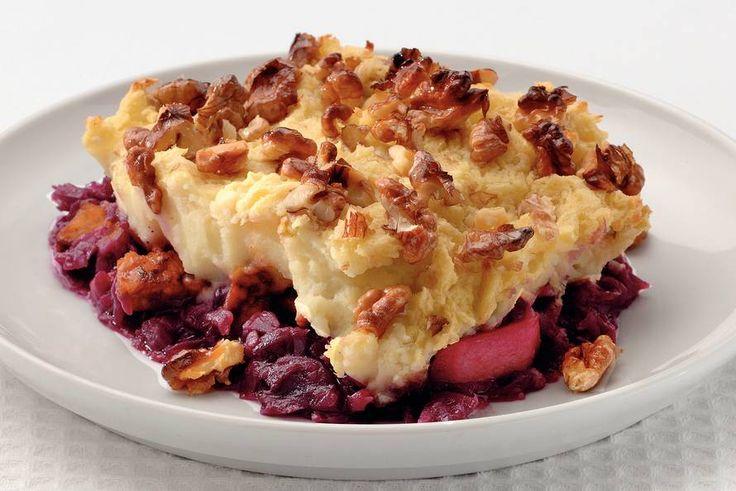 Kijk wat een lekker recept ik heb gevonden op Allerhande! Rode kool met appeltjes en puree uit de oven