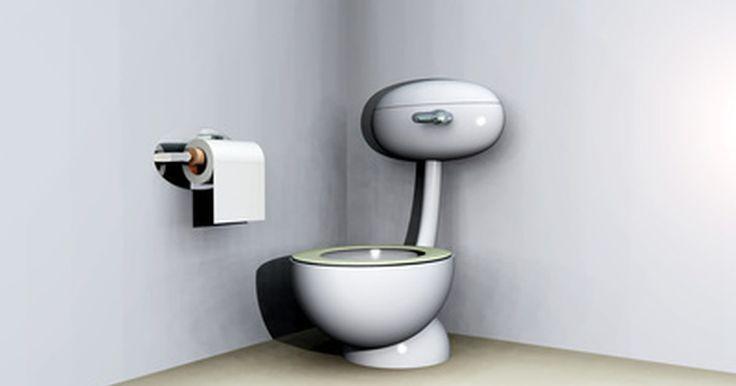 Cómo funciona un inodoro químico portátil. Un baño químico portátil está diseñado para su uso cuando la fontanería no está disponible. Son utilizados como letrinas, en los barcos, en los vehículos de recreo y en las cabinas que carecen de plomería.