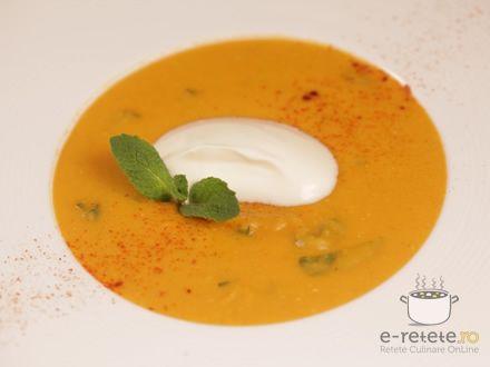 Supa crema de linte galbena cu menta