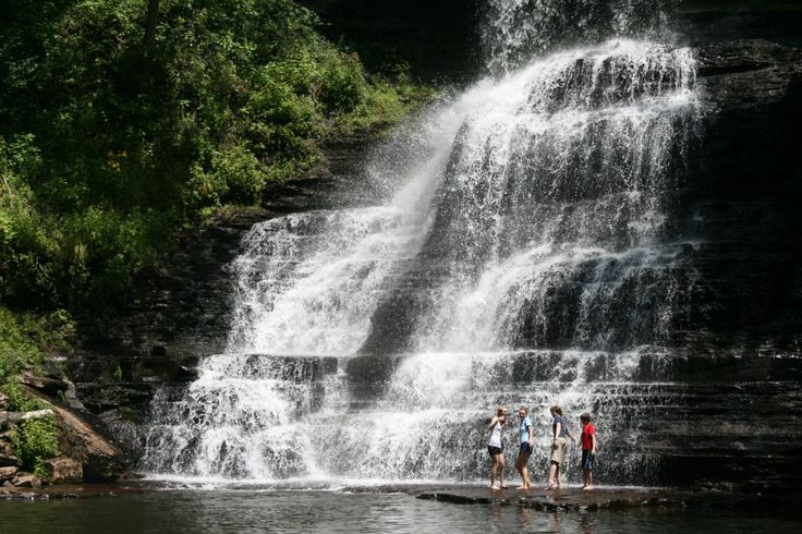 Located in the Blue Ridge Mountains of southwest Virginia, Abingdon is well known as the home of the Barter Theatre, Virginia Creeper Trail, a thriving artistic community and much more.