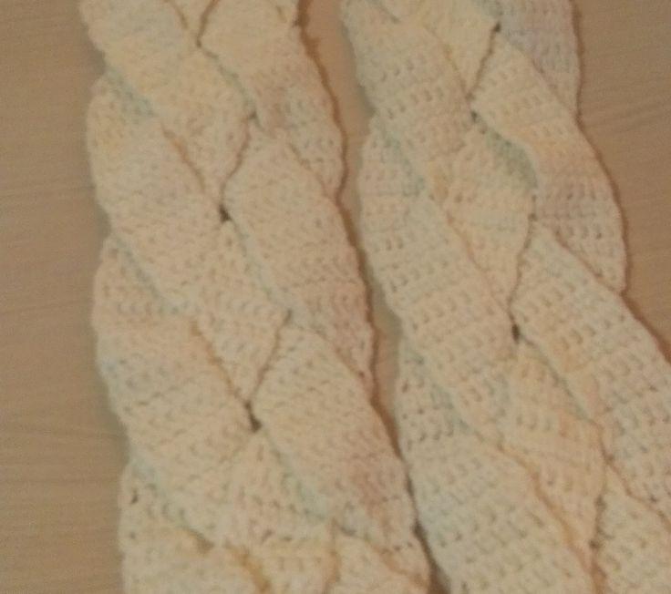 Gevlochten sjaal - Patroon gratis in het Nederlands! :)