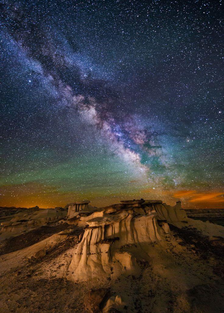 Hoodoos in the Badlands of New Mexico // Wayne Pinkston