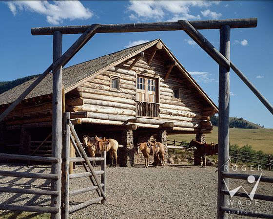 148 best images about pole gates on pinterest montana for Log pole barn