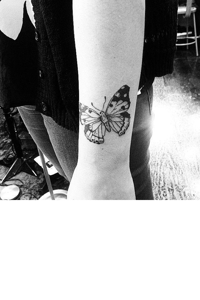 1000 id es sur le th me tatouage papillon sur pinterest tatouages tatouage papillon. Black Bedroom Furniture Sets. Home Design Ideas