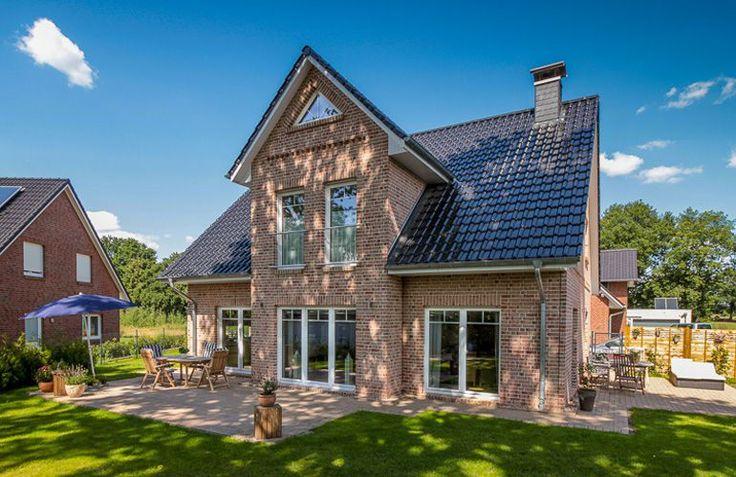 Das Kapitänshaus 160 von ECO System HAUS GmbH hat eine Wohnfläche von 160m². Preis ab: auf Anfrage. Jetzt auf Massivhaus.de ansehen.